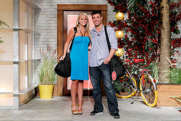 Jeff & Jordan re-enter the BB house as part of the Season 13 Dynamic Duos twist.