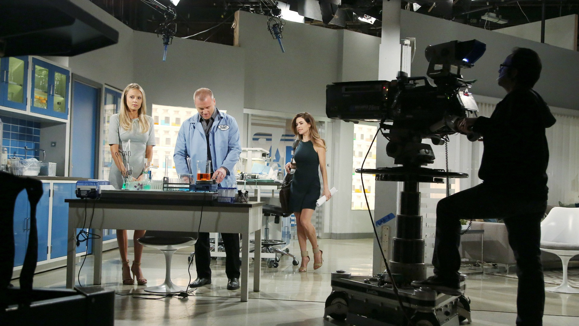 Melissa Ordway, Sean Carrigan, and Amelia Heinle take their places in the lab.