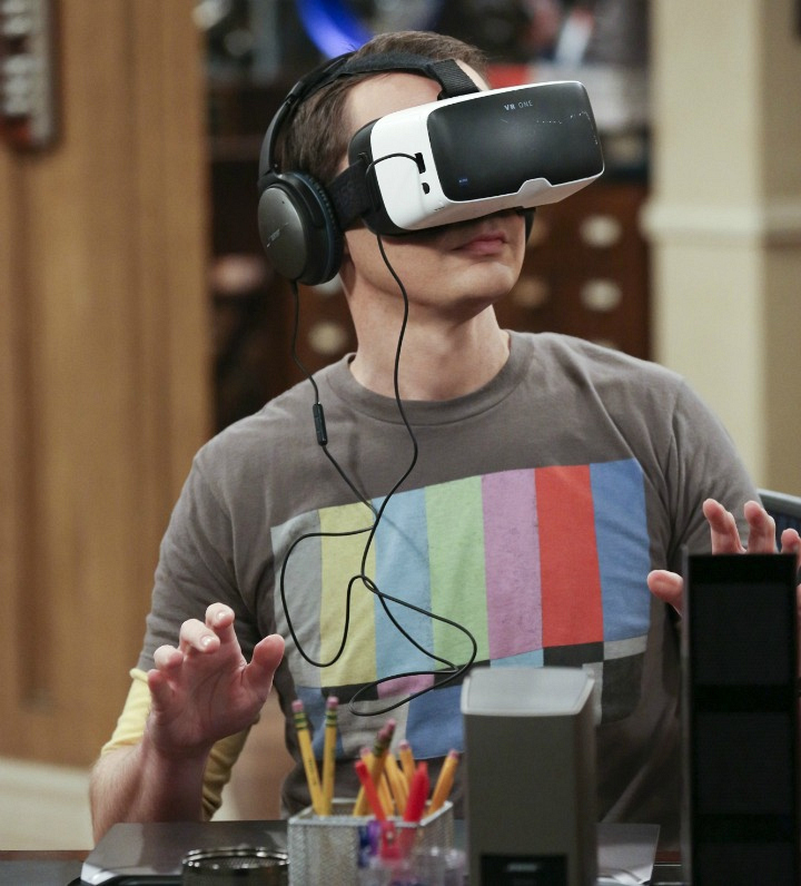 Sheldon goes on a virtual reality vacation.