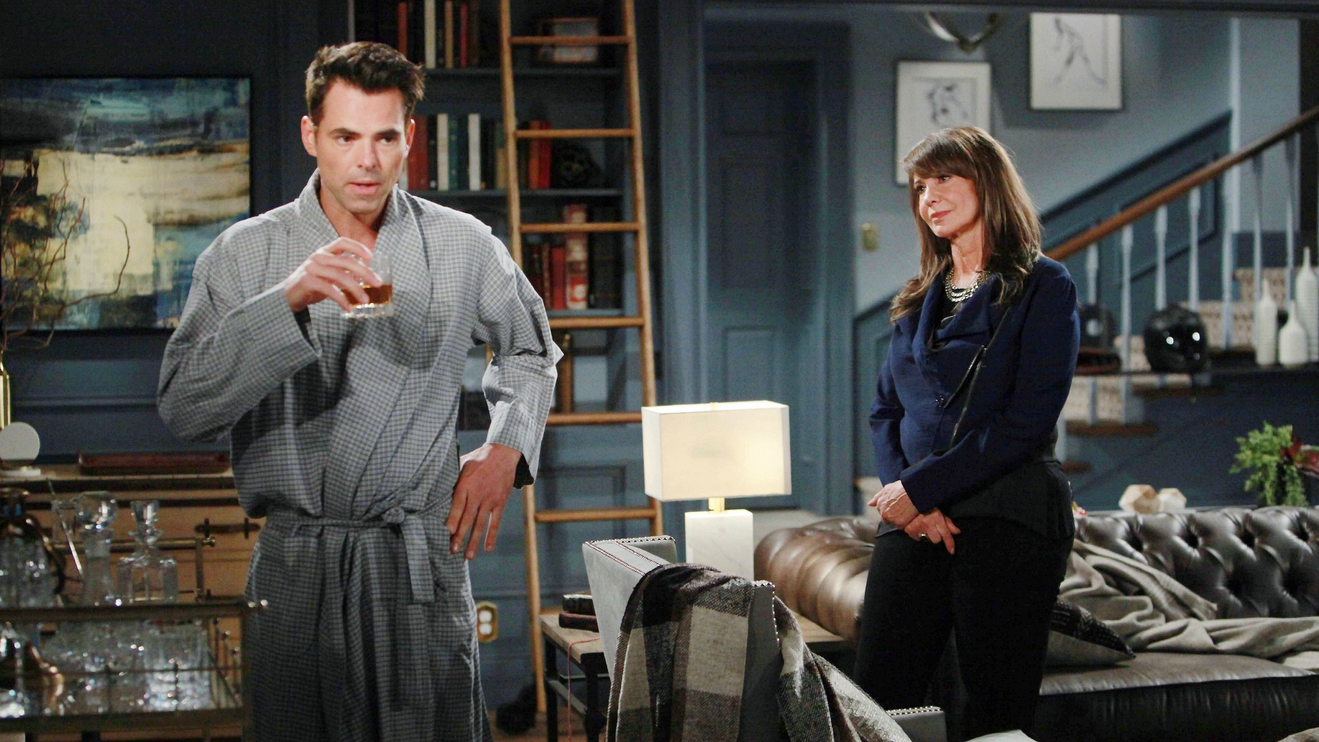 Jill's return to Genoa City surprises her family.