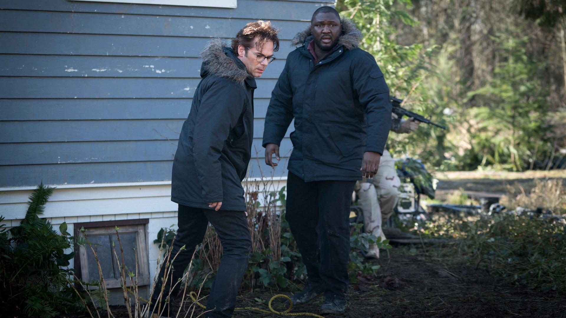Mitch Morgan and Abraham Kenyatta search desperately for Jamie.