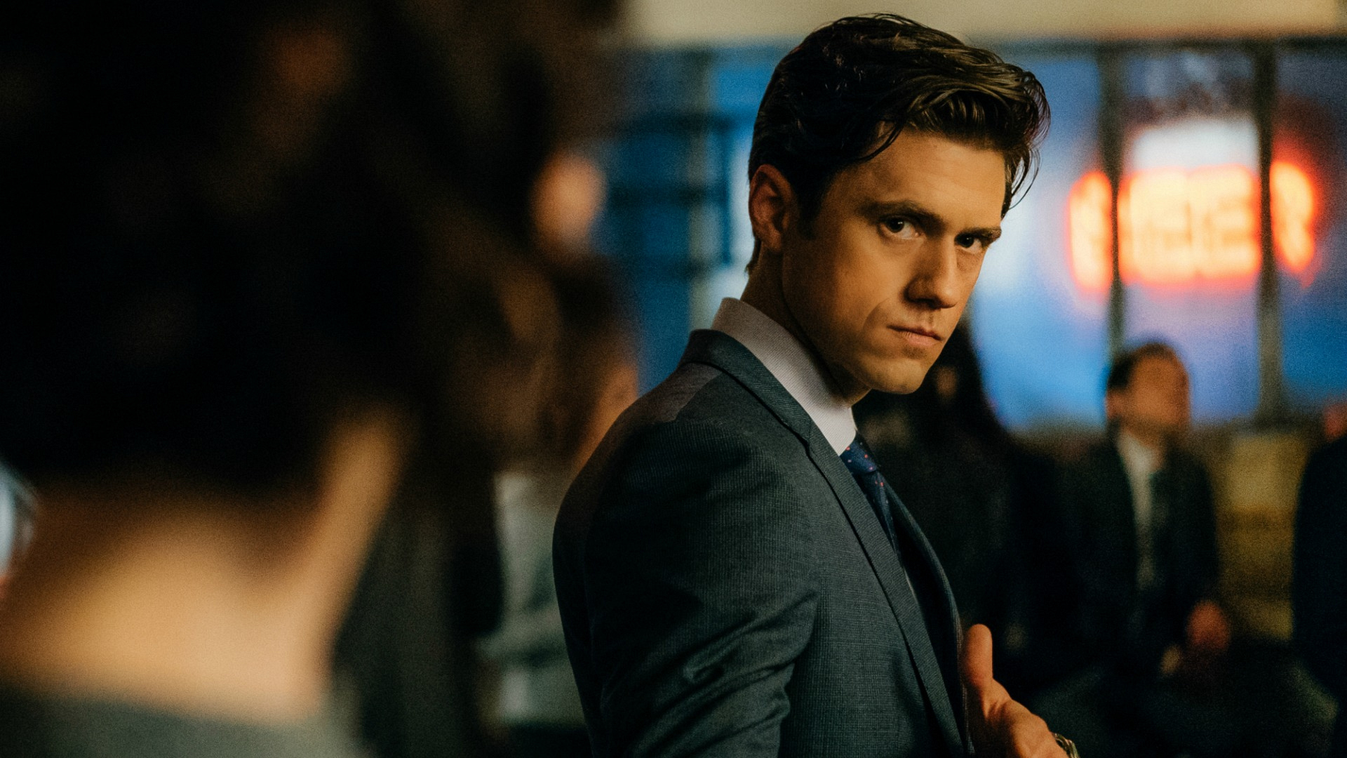 Gareth has a quick chat with Laurel regarding her newest romantic interest.