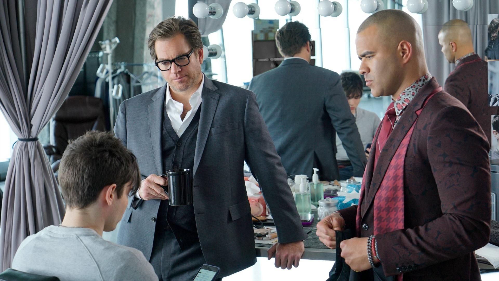 Dr. Jason Bull (Michael Weatherly) and Chunk (Chris Jackson) in Bull