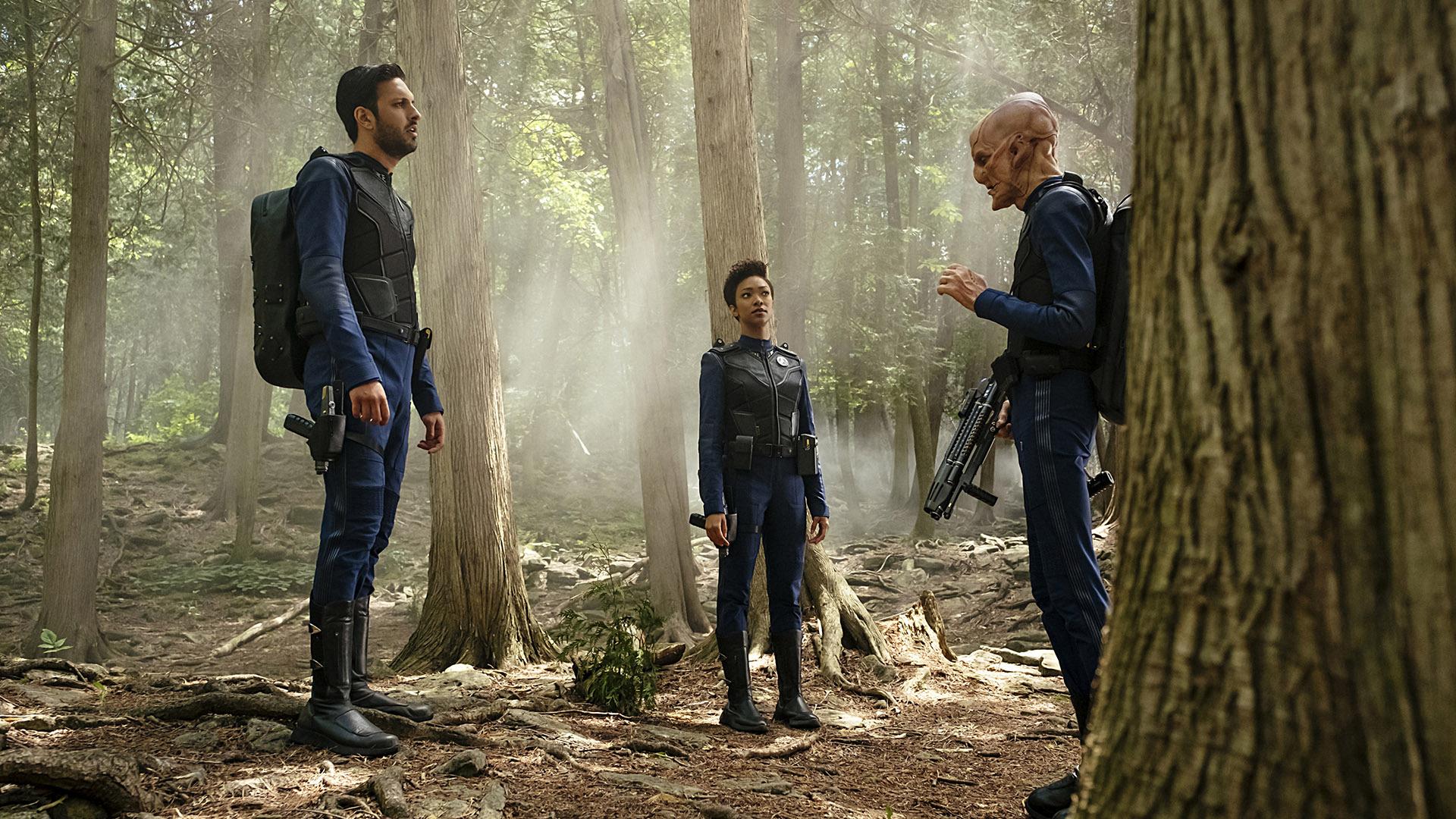 Lieutenant Ash Tyler (Shazad Latif), Michael Burnham (Sonequa Martin-Green), and First Officer Saru (Doug Jones)