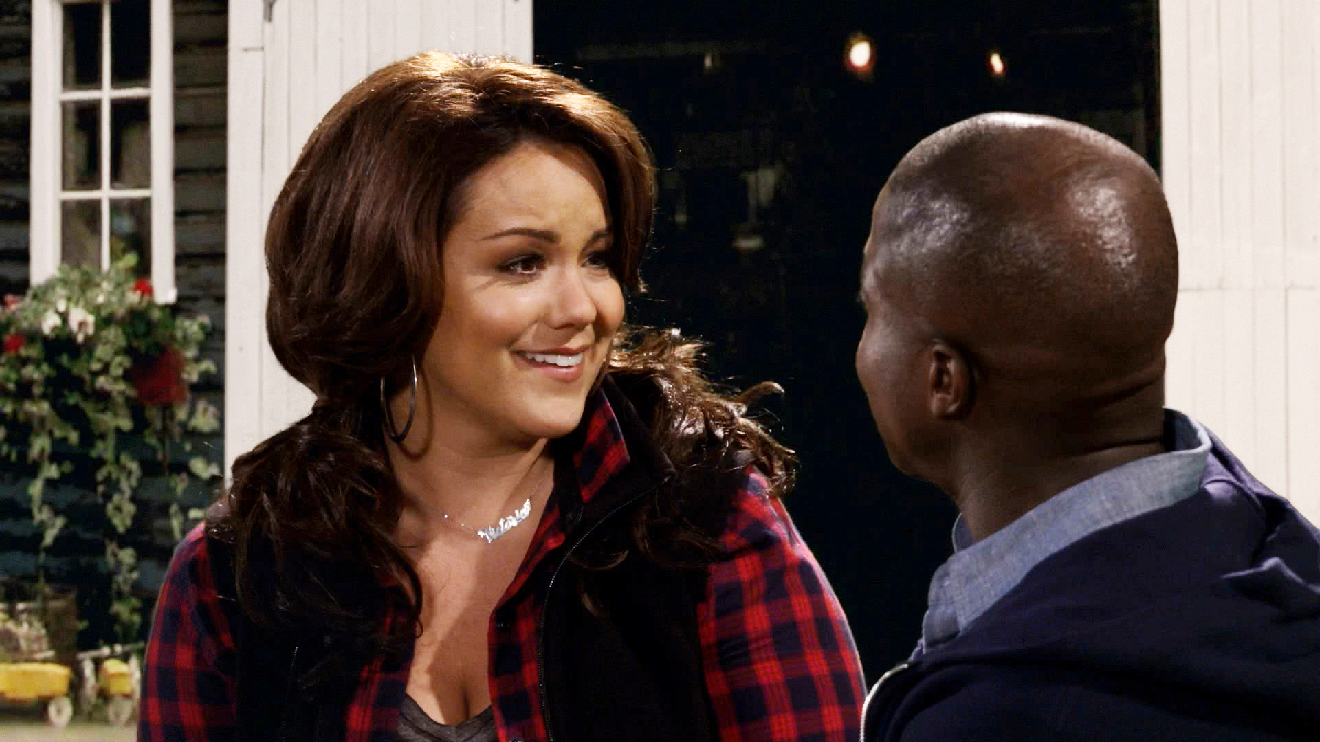 23. Victoria and Carl made it official - Mike & Molly