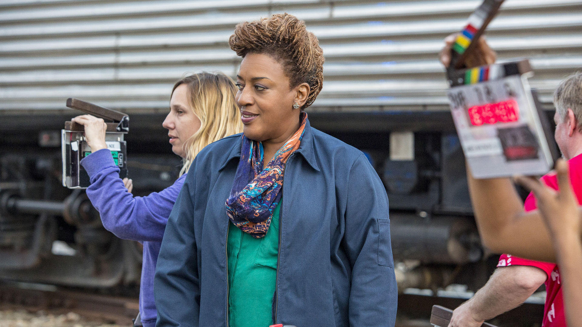 CCH Pounder preps for a scene