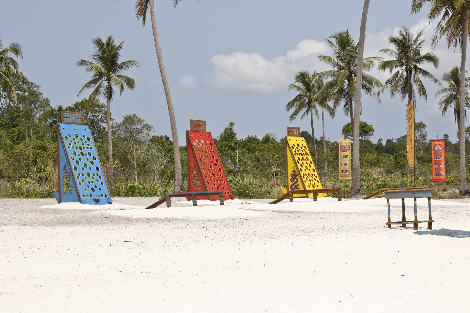 This Immunity Challenge will test key castaways' hand-eye coordination.
