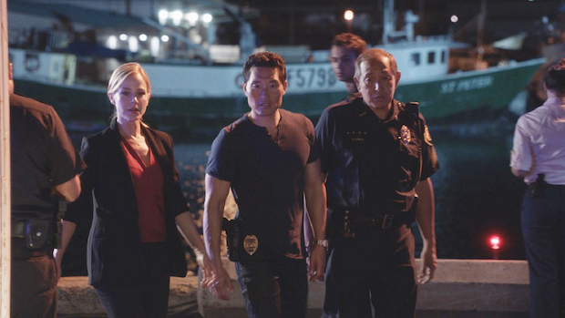Julie Benz as Inspector Abby Dunn and Daniel Dae Kim as Chin Ho Kelly