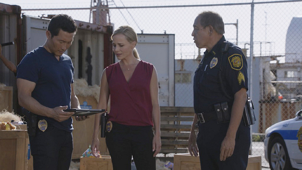 Daniel Dae Kim as Chin Ho Kelly and Julie Benz as Inspector Abby Dunn