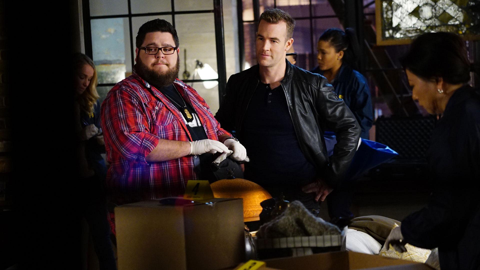 Charley Koontz as Agent Daniel Krumitz and James Van Der Beek as Agent Elijah Mundo
