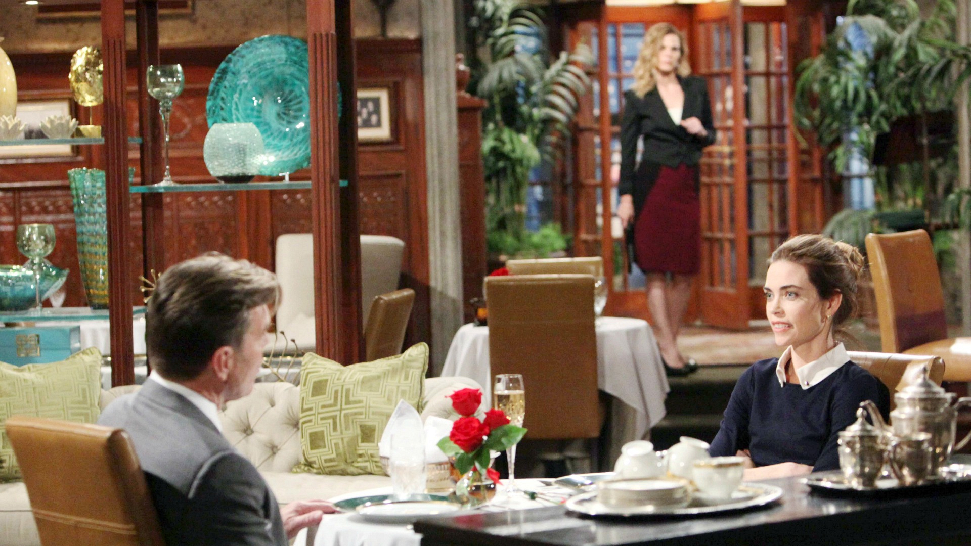 Phyllis confronts Victoria.