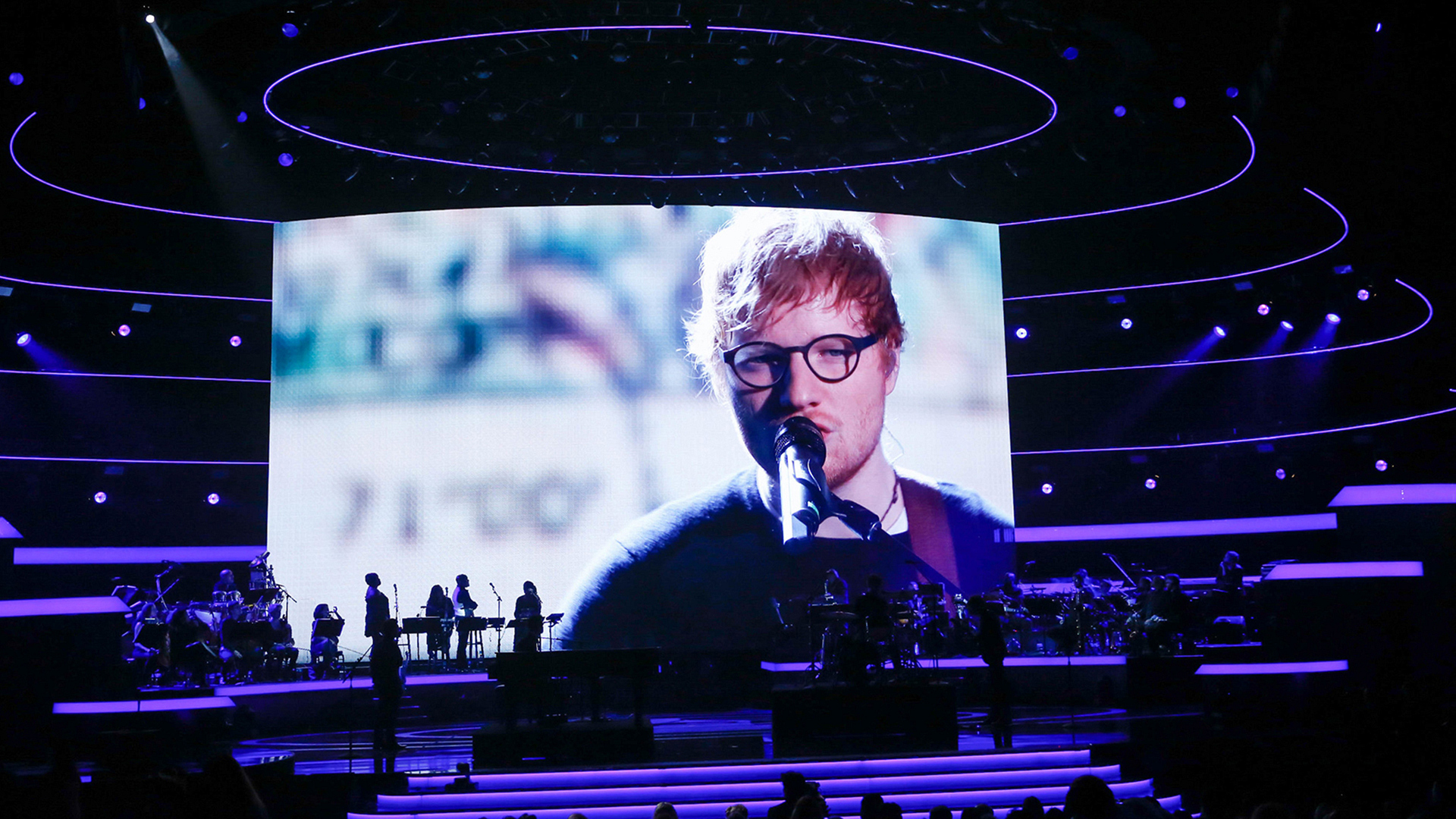 "Ed Sheeran performs ""Massachusetts"""