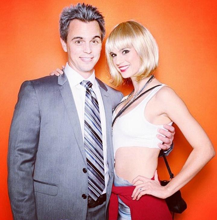 Darin Brooks and his fiancée Kelly Kruger struck a pose.
