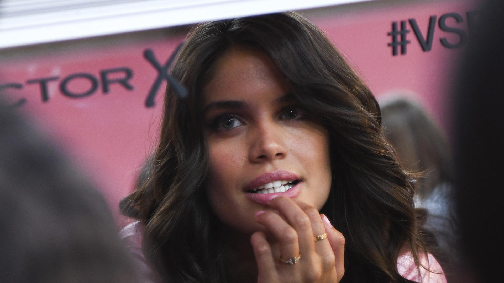 Angel Sara Sampaio takes one last look before hitting the runway.