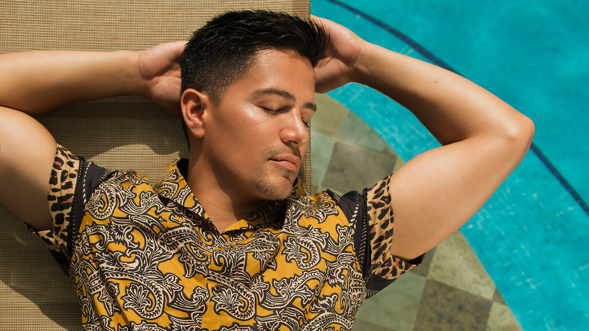 Magnum P I S Jay Hernandez Is Hotter Than Ever In This