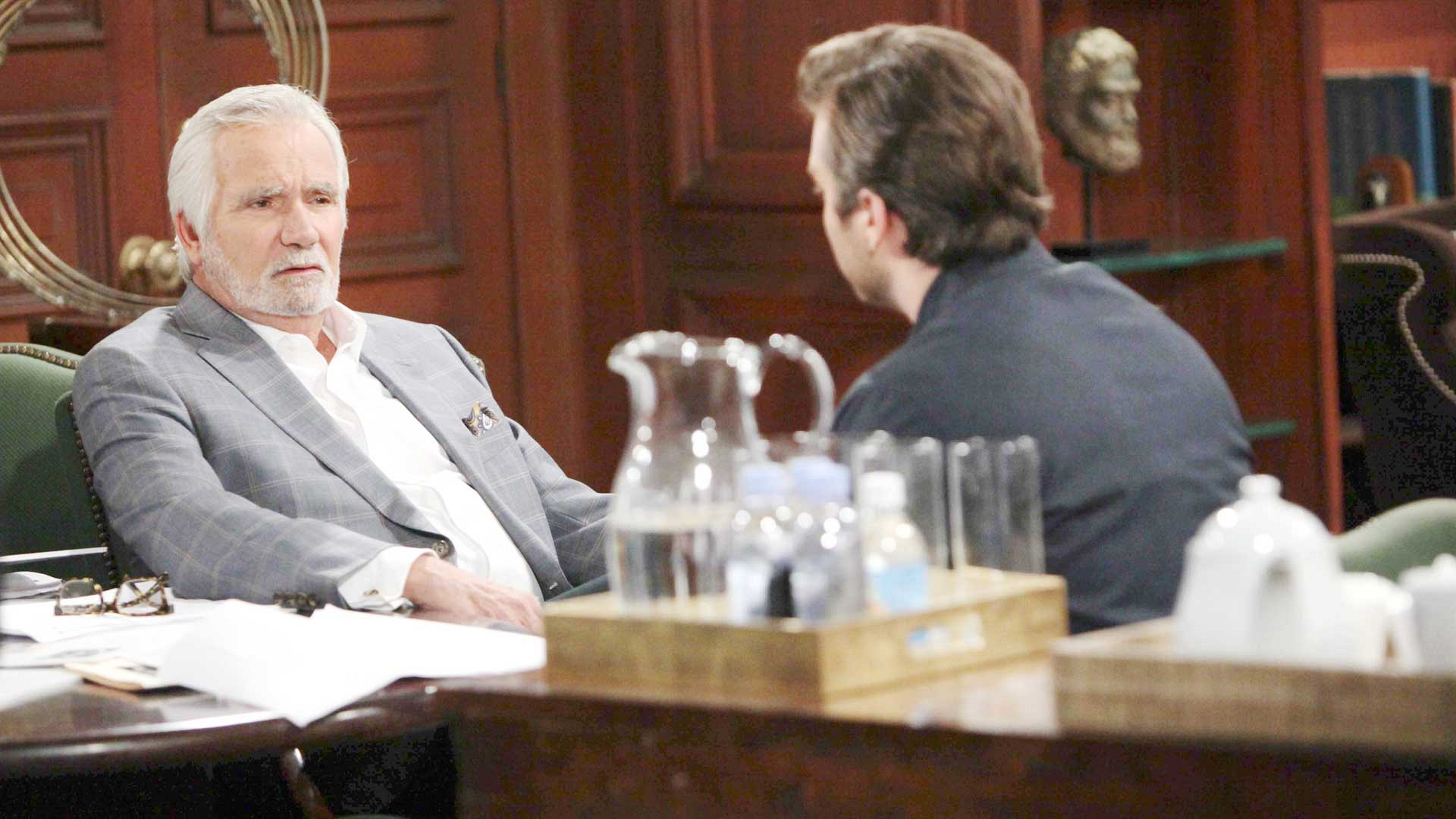 Eric makes a last-ditch effort to convince Thomas to remain at Forrester Creations with his family.