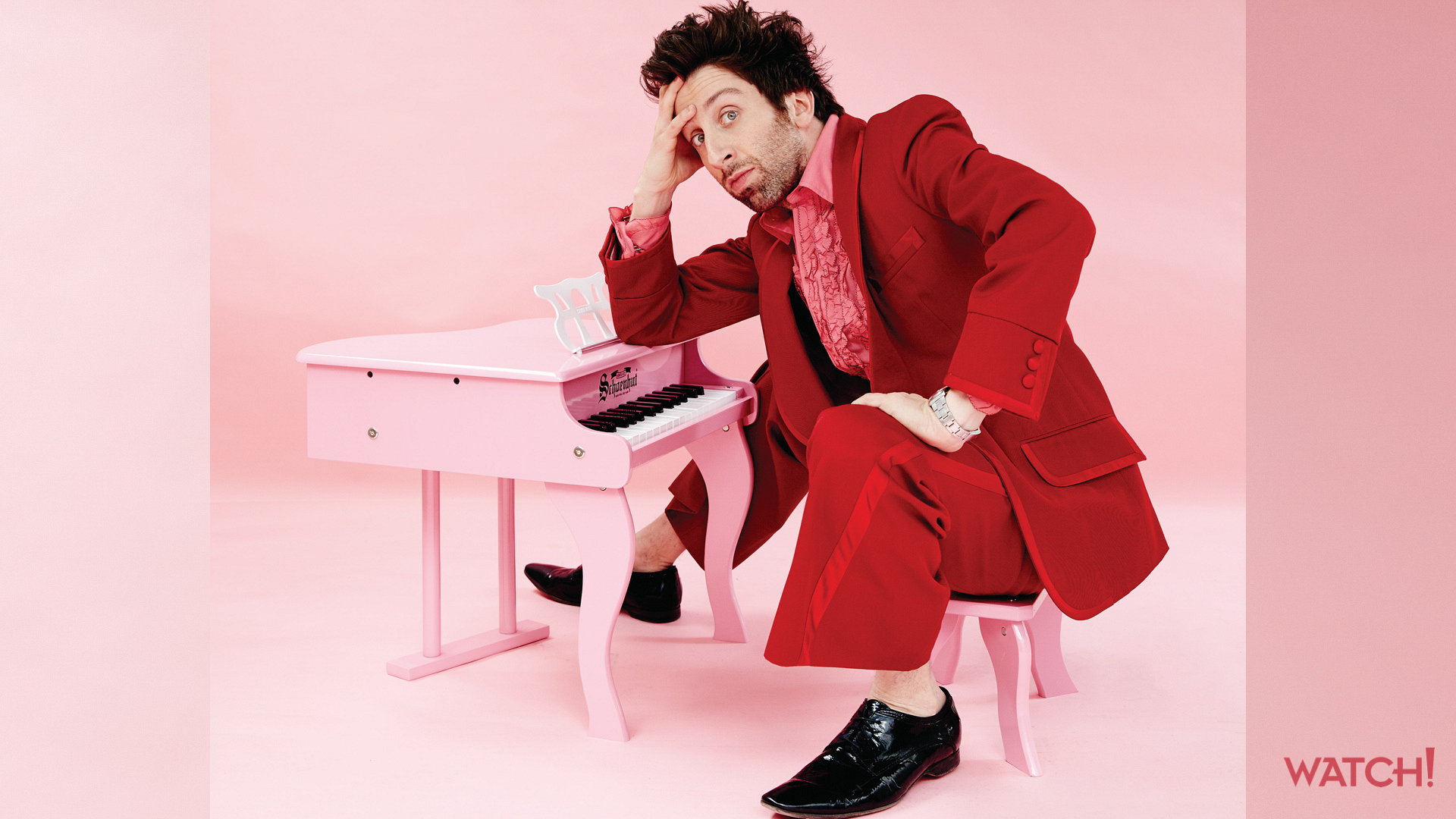 Simon Helberg plays up his curious side, and we can't get enough of it!
