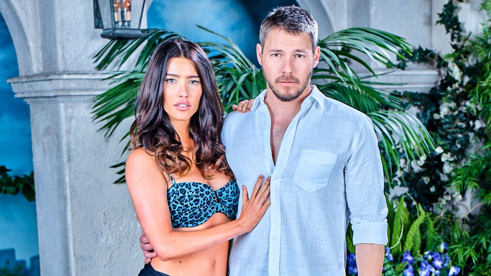 Daytime stars Jacqueline MacInnes Wood and Scott Clifton are hotter than ever