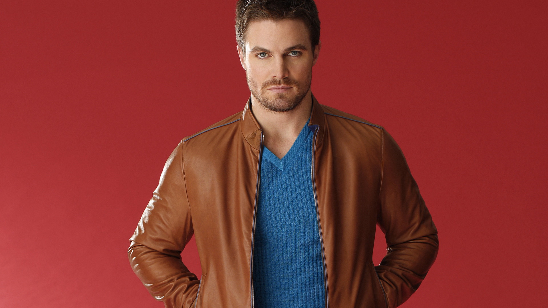 TV hunk Stephen Amell trades his superhero costume for high fashion