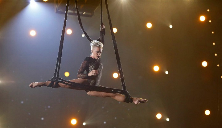"Pink wowed with an acrobatic act during her ""Try"" performance."