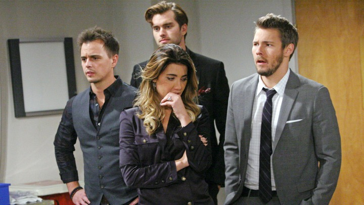 Steffy's put on the spot when during an argument with Ivy, Ivy gets electrocuted.