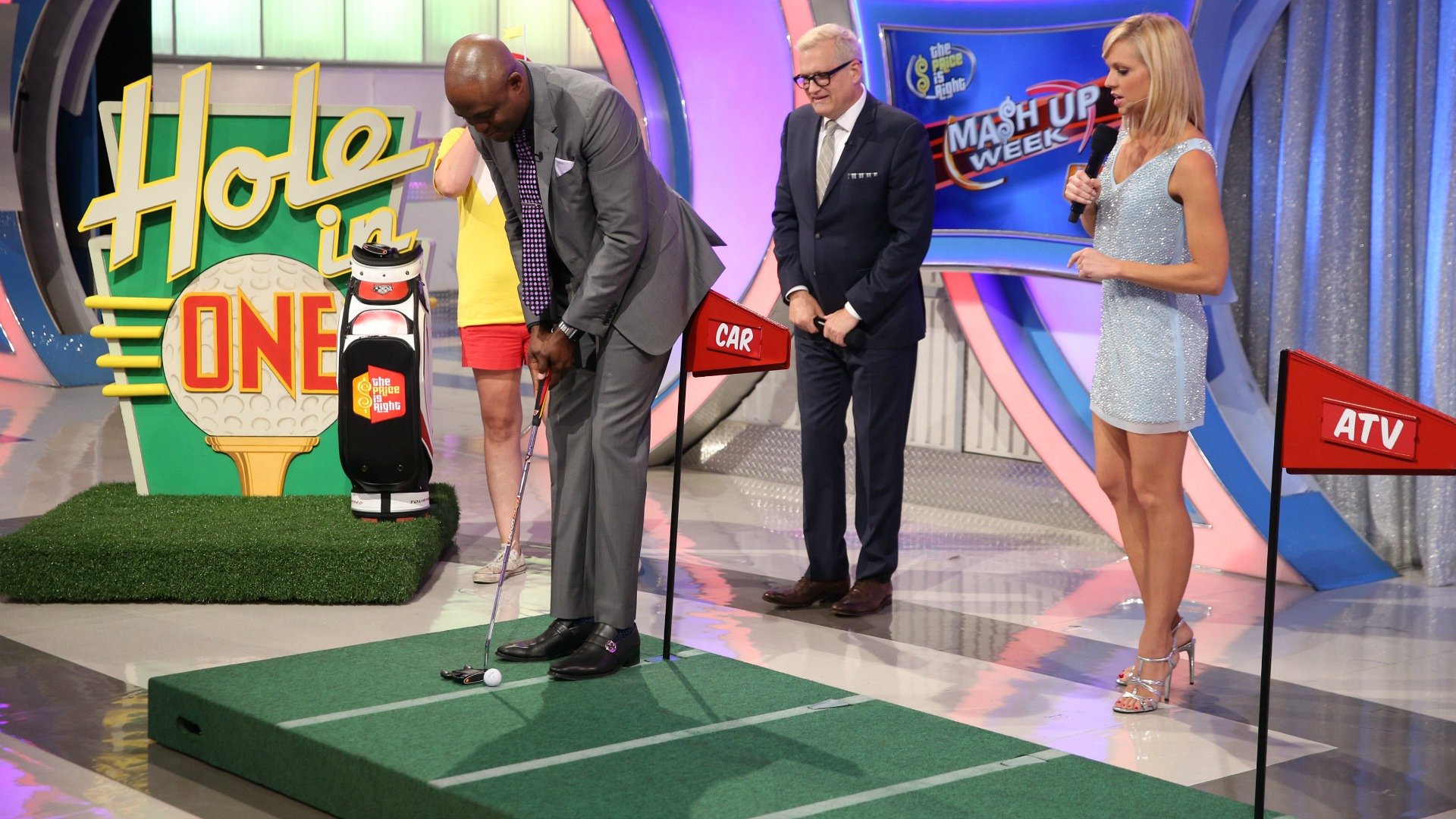 Wayne plays Hole In One.