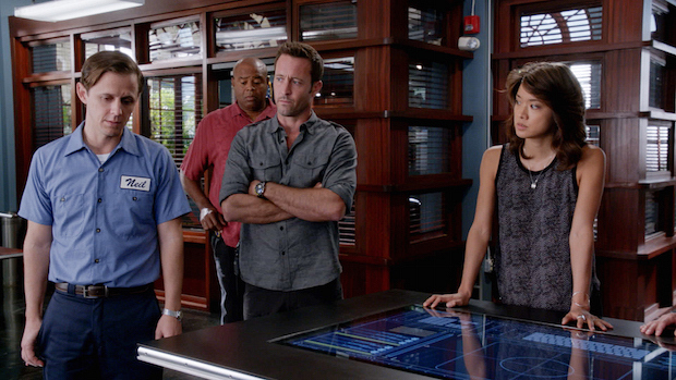 Joe Egender as Neil Palea, Chi McBride as Lou Grover, Alex O'Loughlin as Steve McGarrett, and Grace Park as Kono Kalakaua