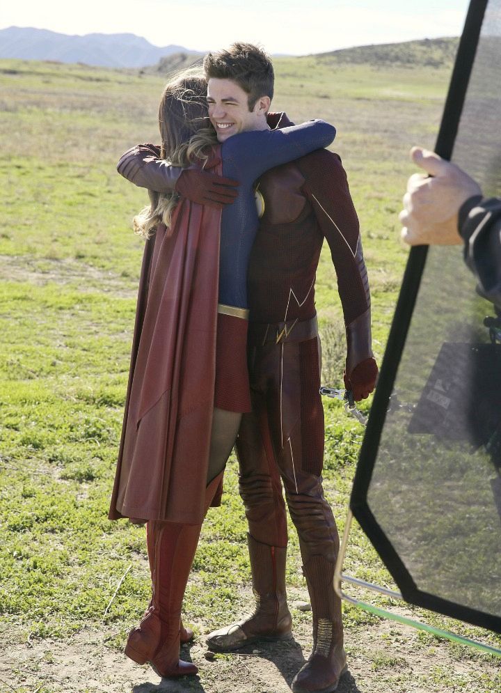 Melissa Benoist and Grant Gustin made quite the team during the Supergirl / Flash crossover episode.