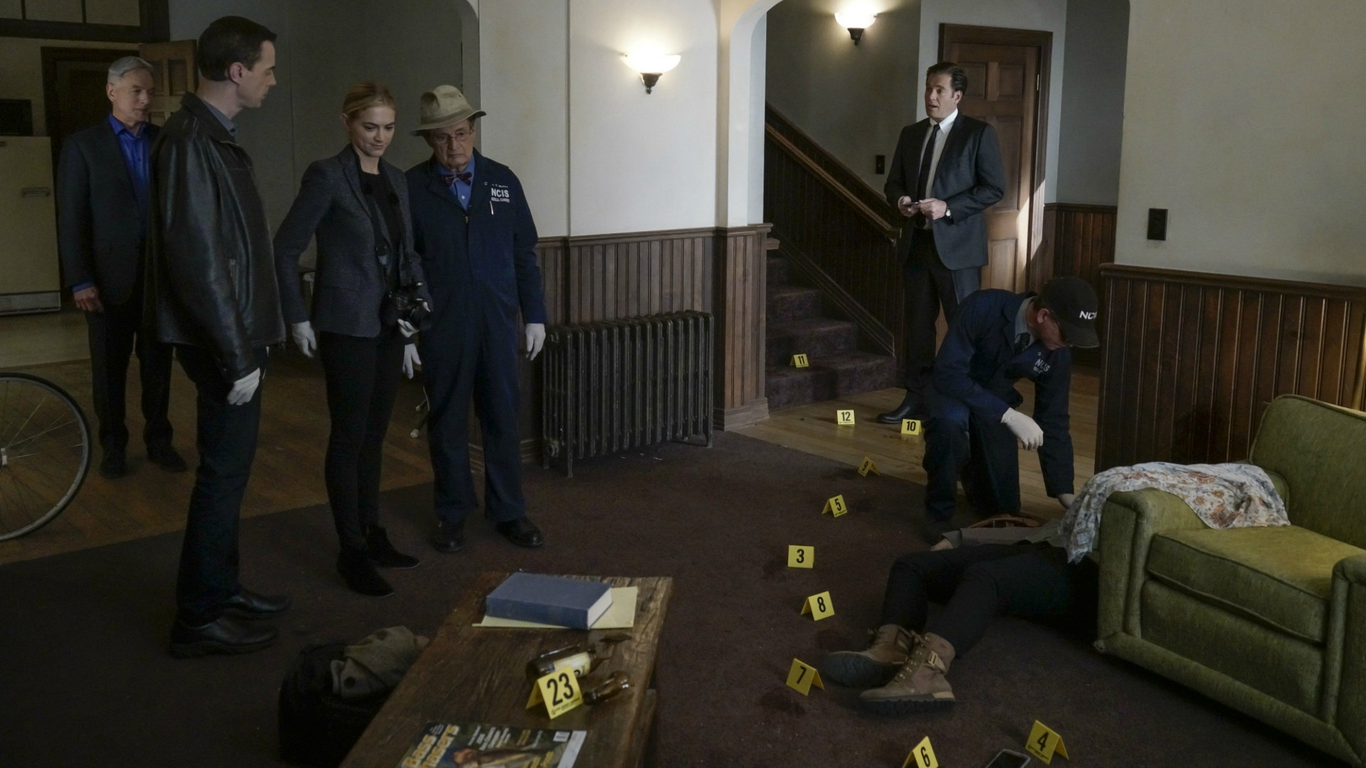 The team investigates a crime scene in Gibbs' own house.