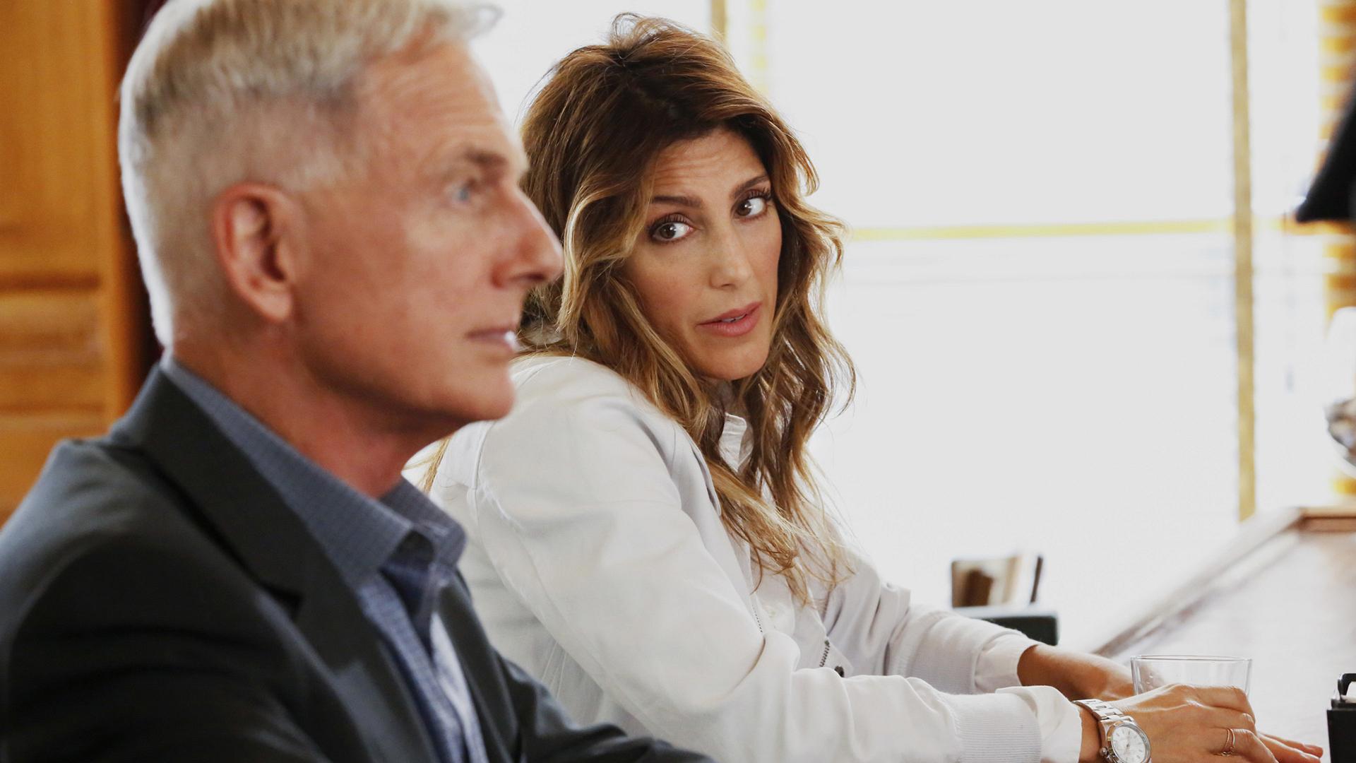 Quinn confides in Gibbs.