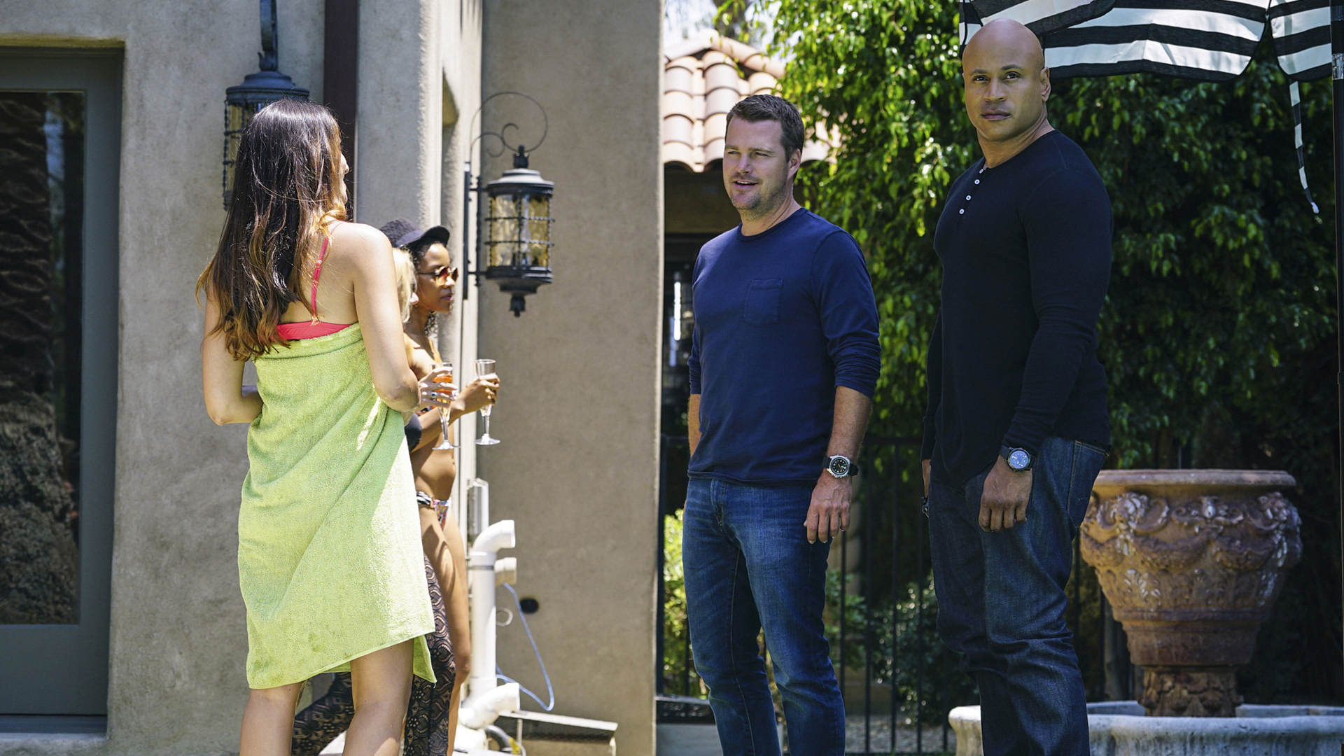 Callen and Sam crash a party.