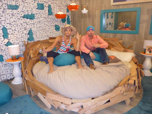 In the HoH bed