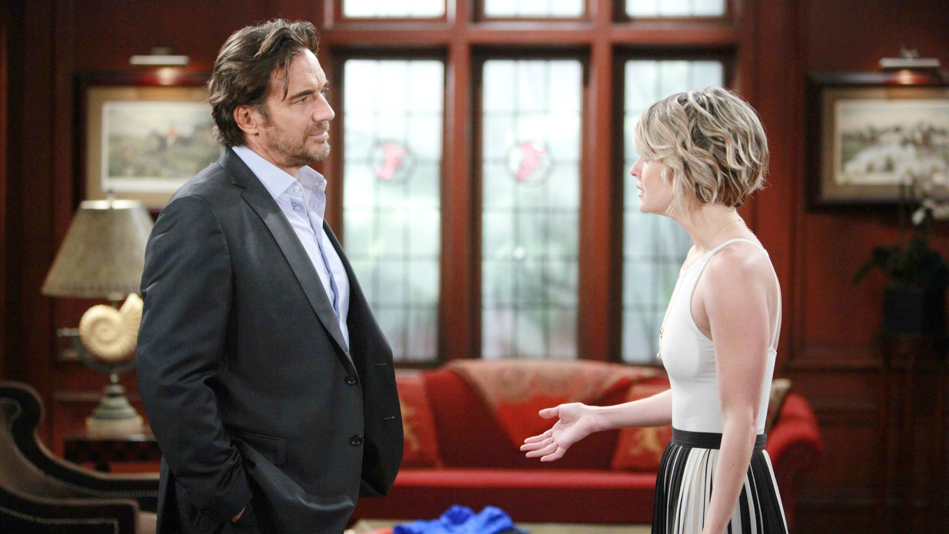 Ridge and Caroline's happy life begins to unravel before them when someone threatens to reveal their secret.