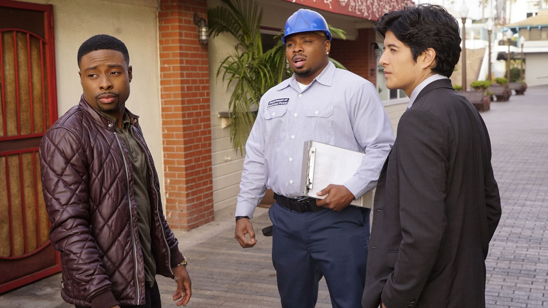 Carter, Gerald, and Lee are on the search for a mystery man.