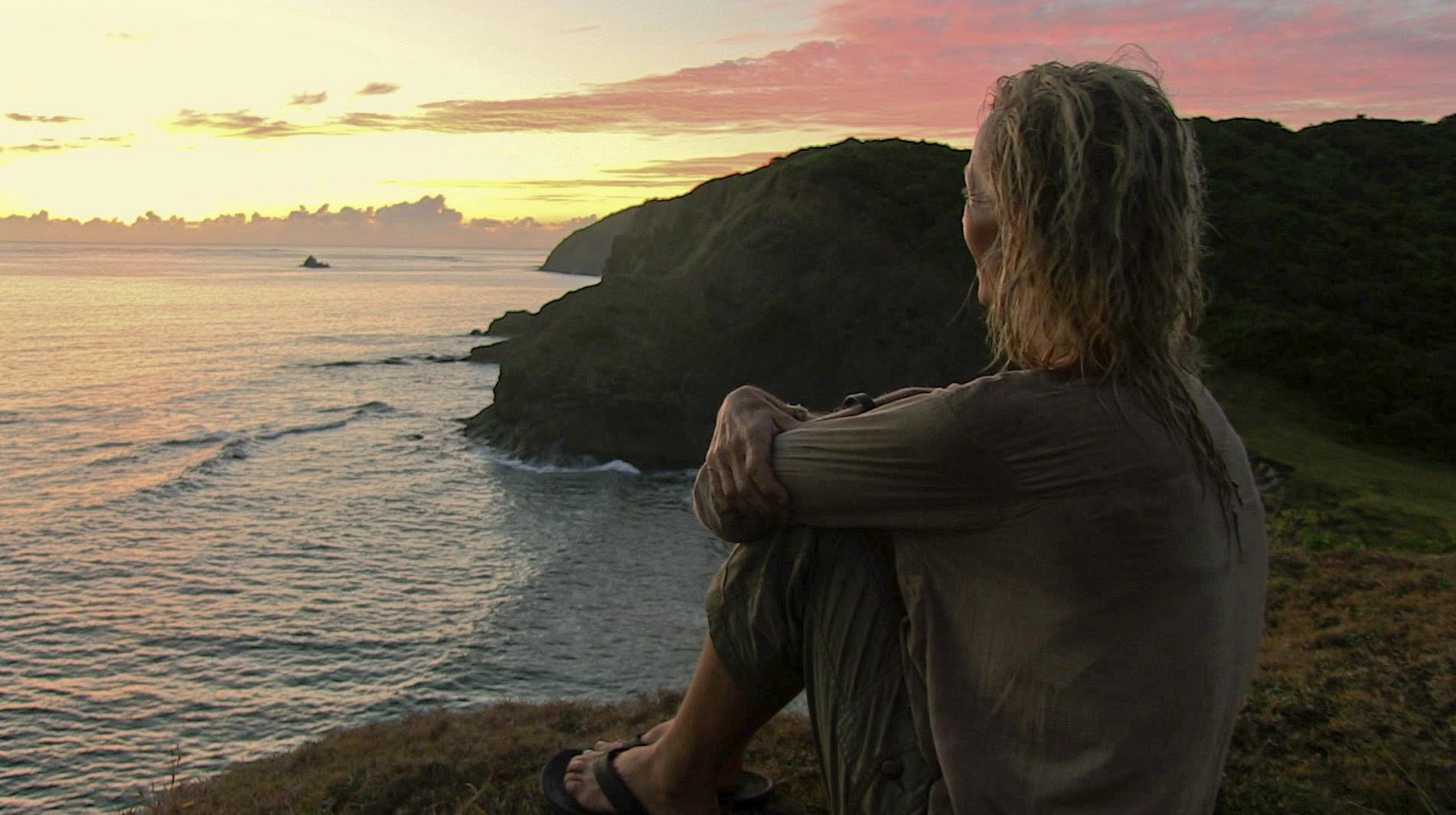 Tina enjoys the sunrise in the Season 27 Finale
