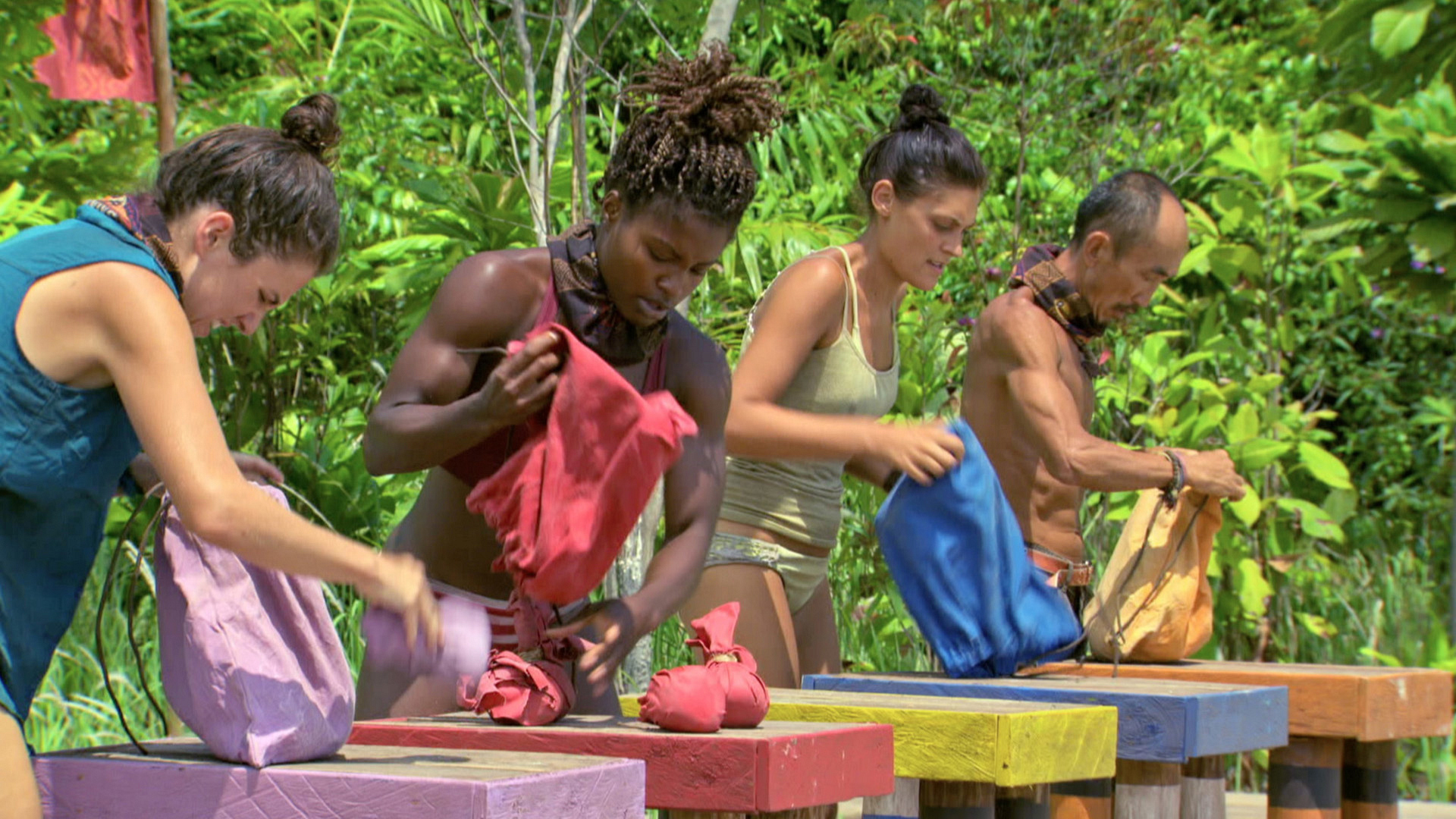 At the start of the challenge, Aubry, Cydney, Michele and Tai are neck and neck.