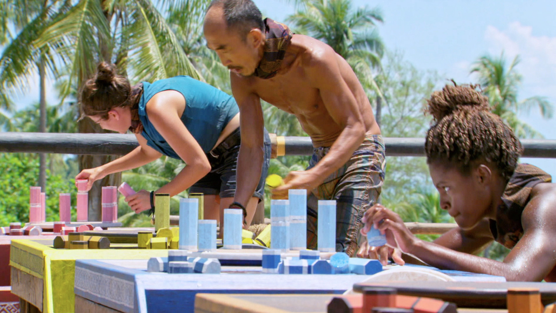 The castaways work on a puzzle at the final part of the last Individual Immunity Challenge.
