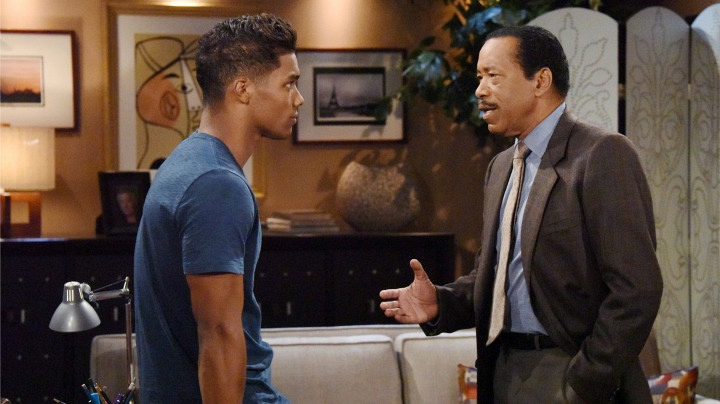 Zende is given unsolicited advice regarding his relationship and possible future with Nicole.