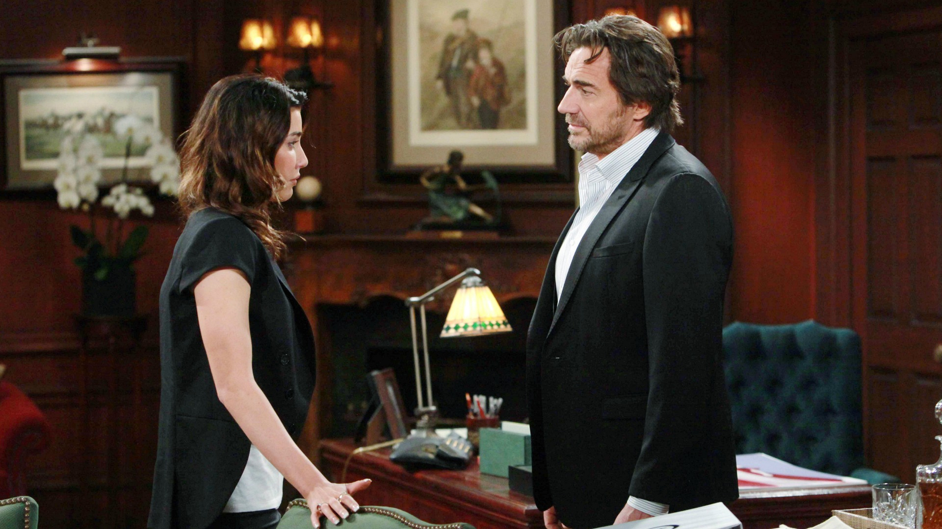 Steffy and Wyatt, separately, go to their fathers Ridge and Bill for advice about their current situation.