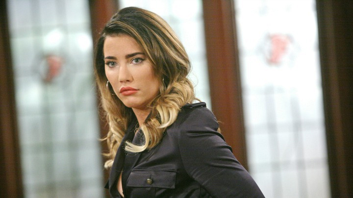Steffy just can't keep the news to herself.