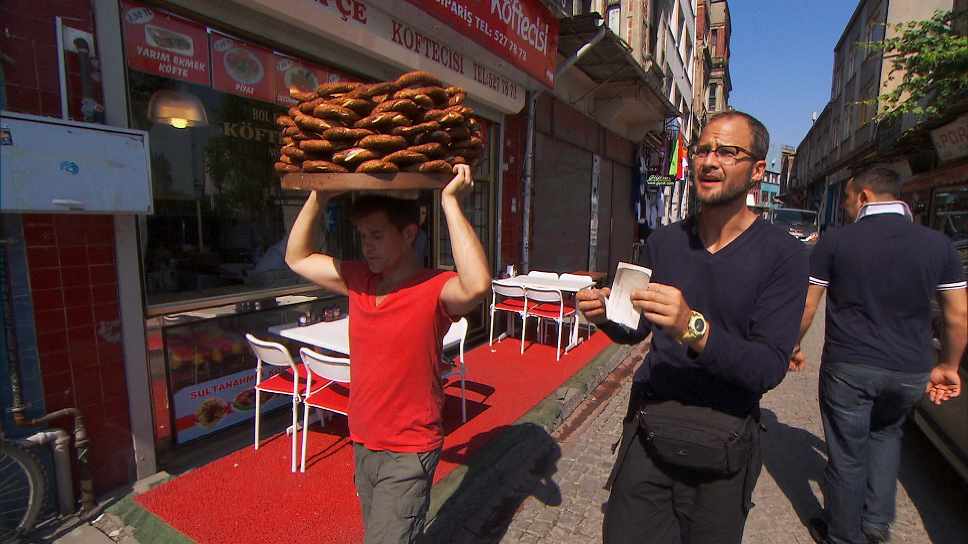 Carrying Simit