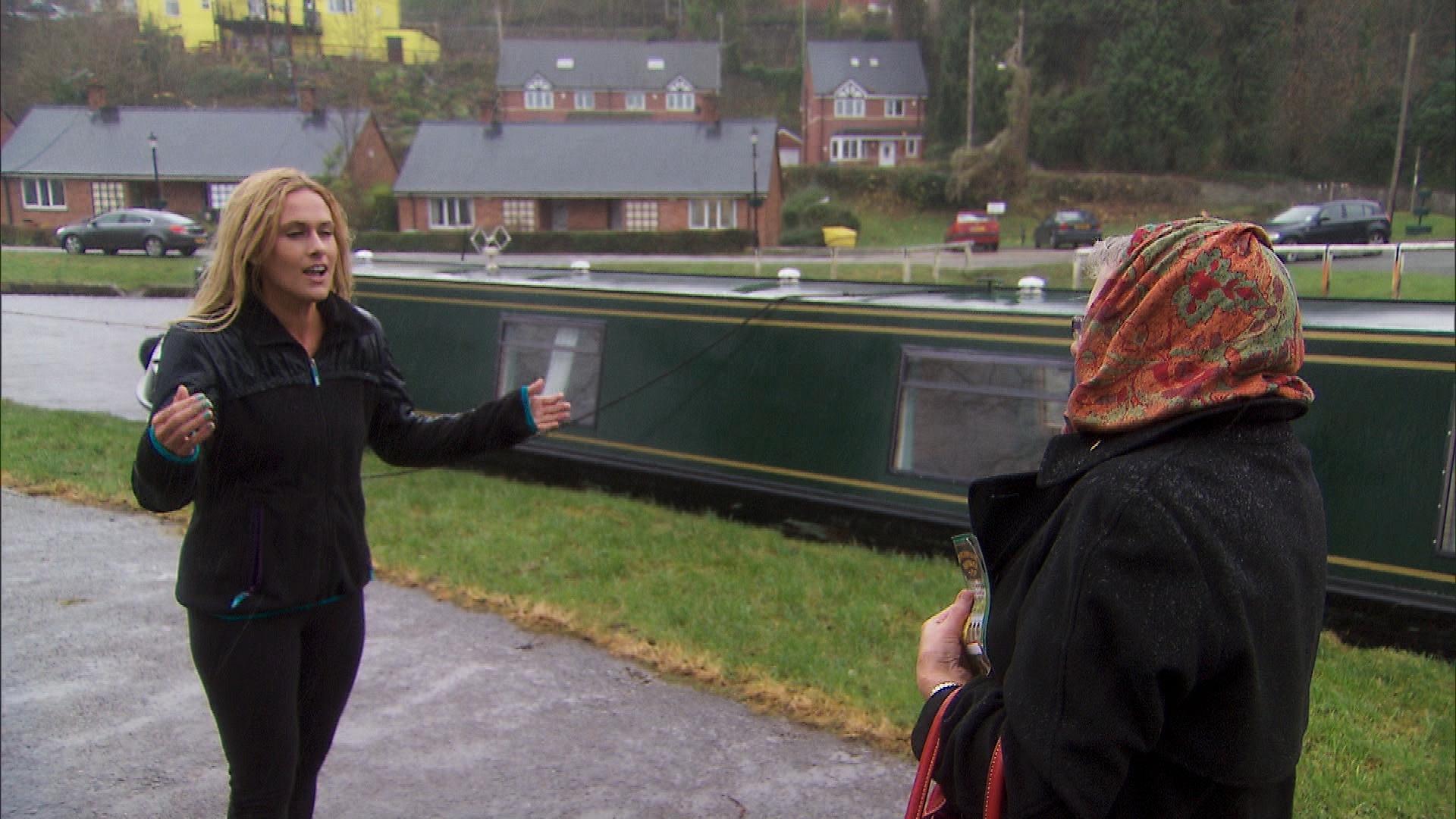 Caroline in Season 24 Episode 11