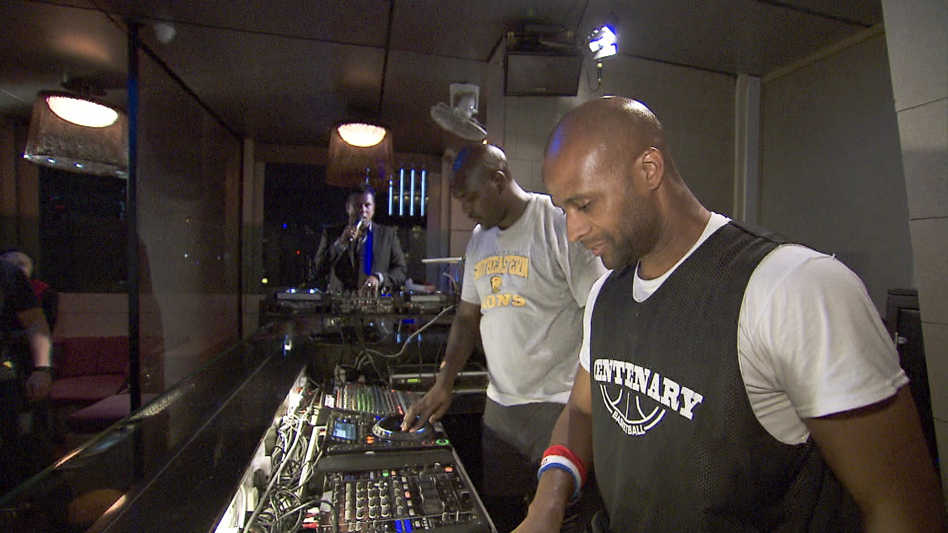 Learning how to DJ in Season 24 Episode 4