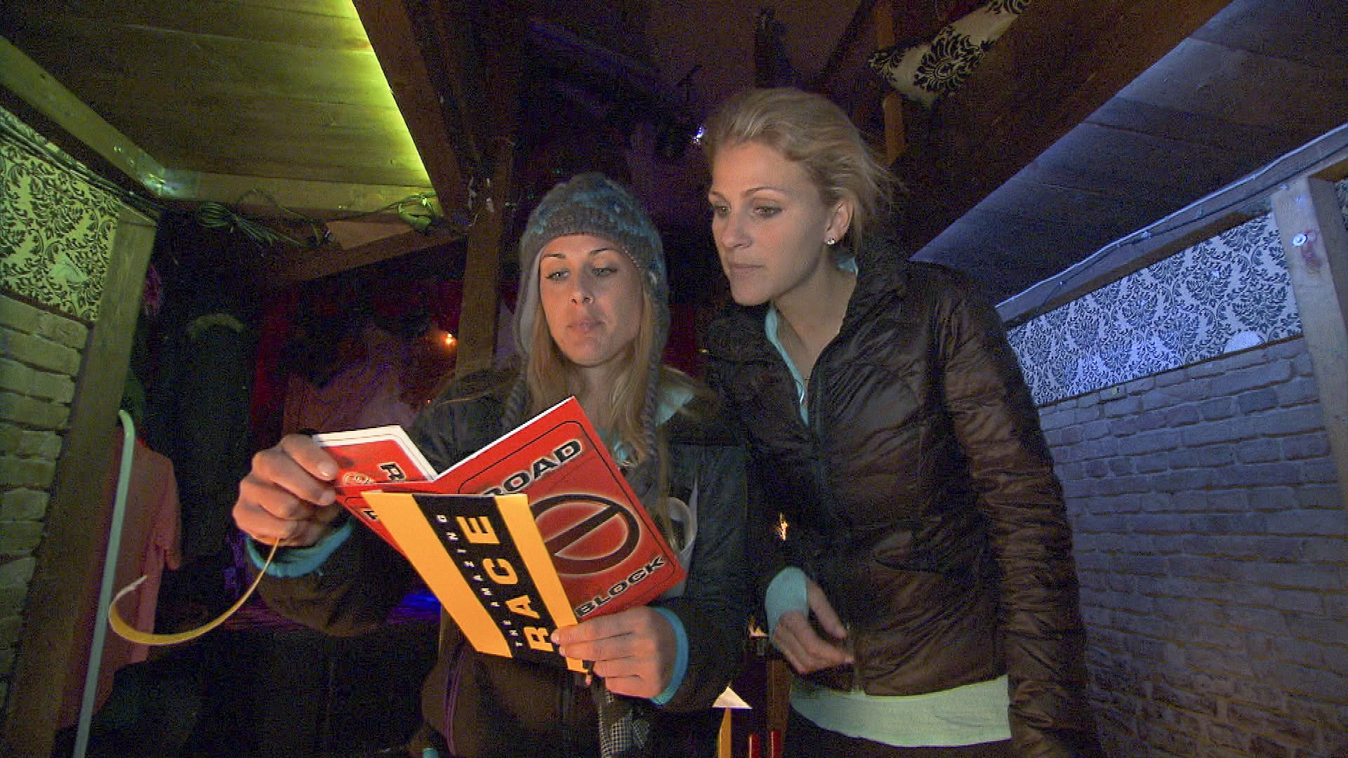"Caroline and Jennifer in ""The Ultimate Fun House"" Season 22 Episode 9"