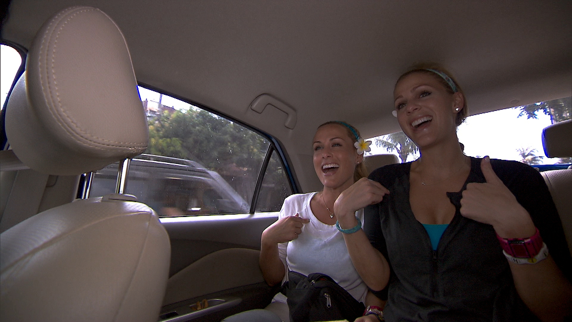 "Caroline and Jennifer in ""I Love Monkeys!"" Episode 4 of Season 22"