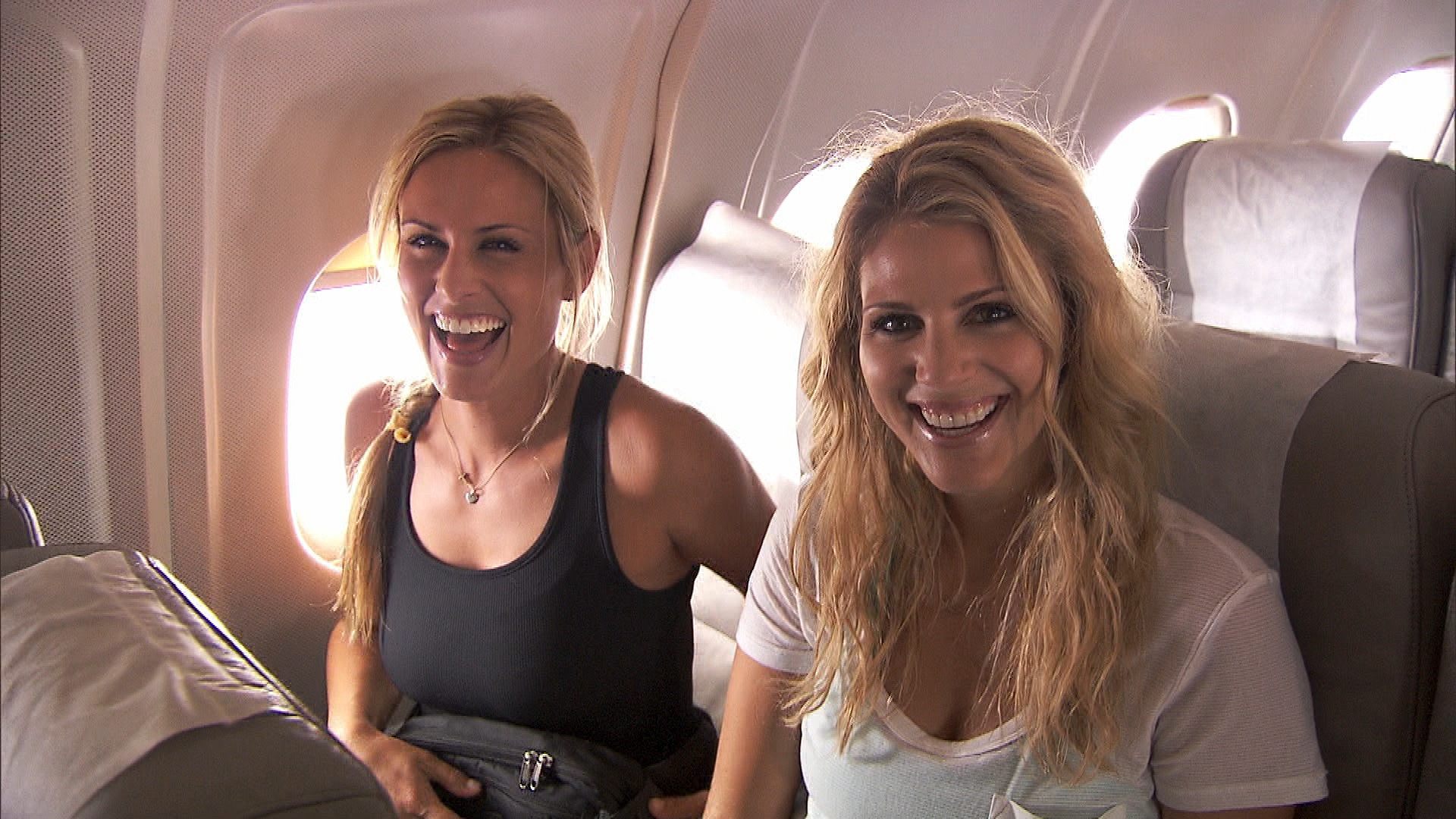 """Caroline and Jennifer in """"My Cheese is Out of Control"""" Episode 8 of Season 22"""