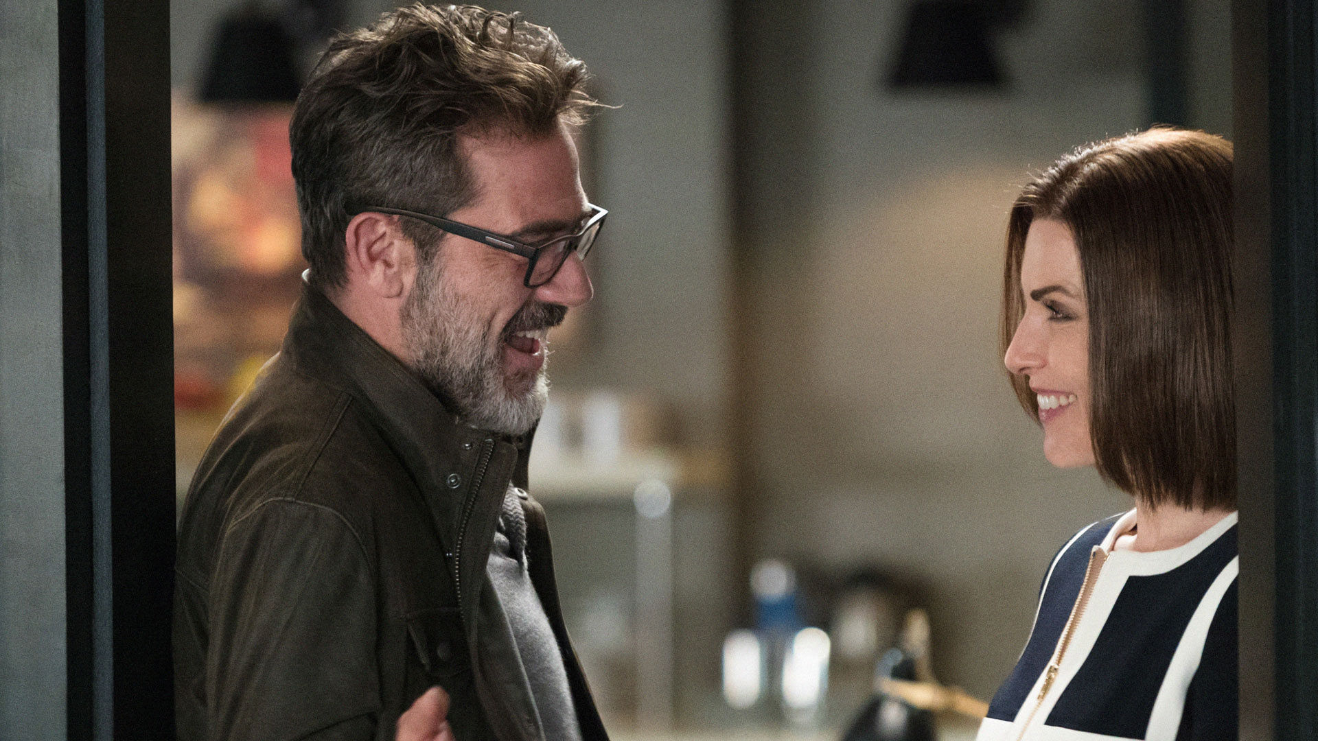 Jeffrey Dean Morgan as Jason Crouse and Julianna Margulies as Alicia Florrick