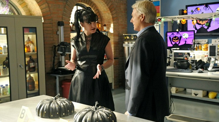 3. When Abby made Gibbs play a Halloween game.