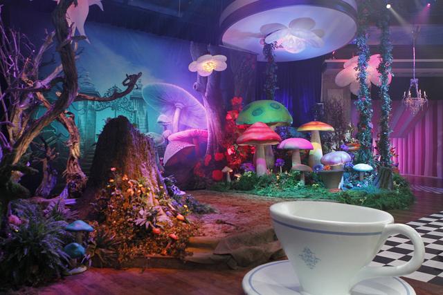 "2012 - ""Alice in Wonderland"""