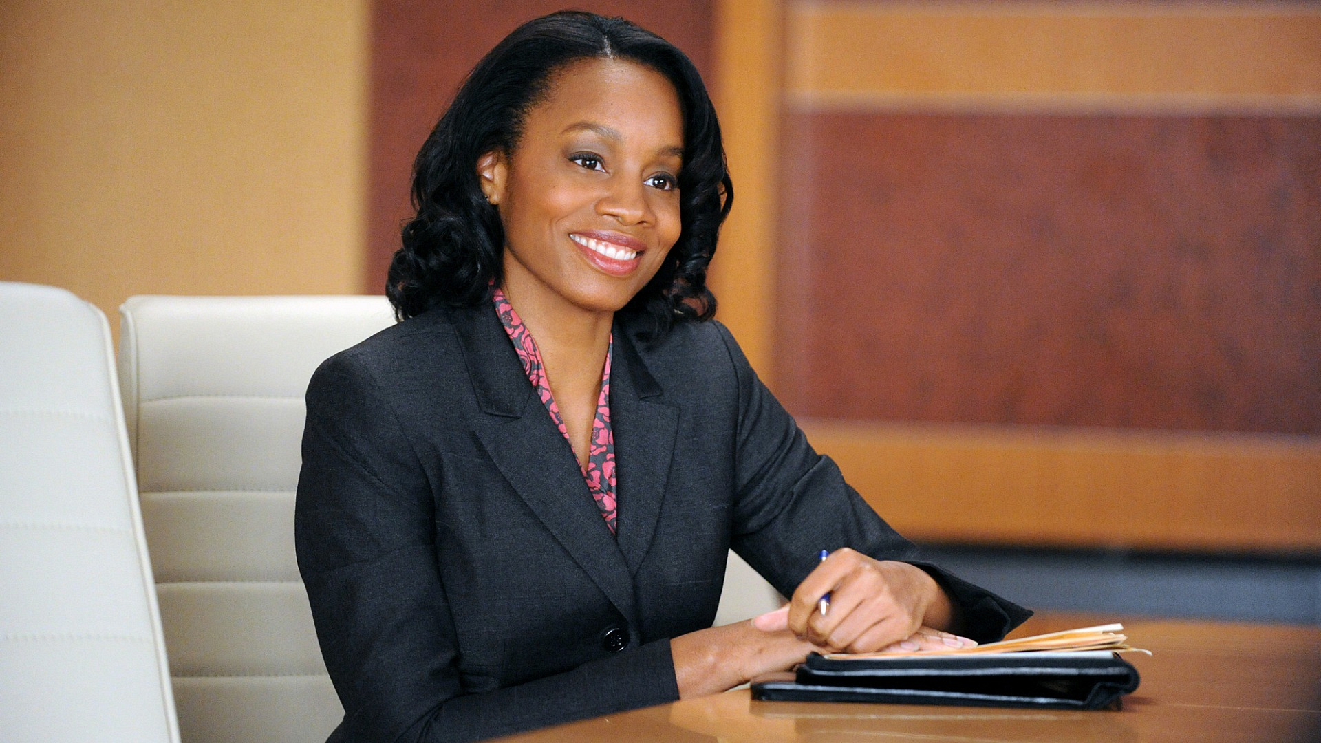 Anika Noni Rose as Wendy Scott-Carr